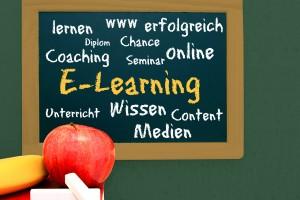 e-learning cloud auf schultafel
